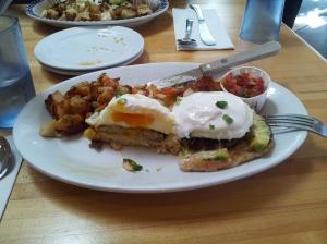 Pete's Breakfast House - Eggs Benedict